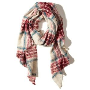 (NWT) Hollister Patterned Boucle Scarf